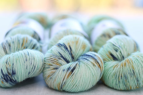 ORCAS ISLAND | pure singles | speckled yarn