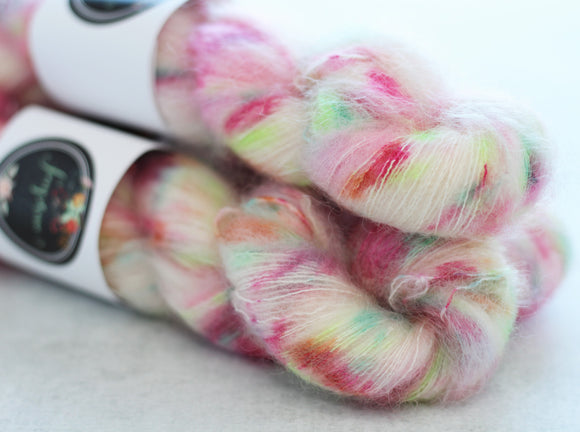 WHISPER | gossamer | speckled yarn