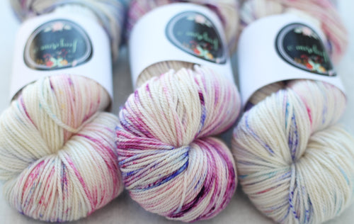 CROCUS BLOSSOM | decadent dk | speckled yarn