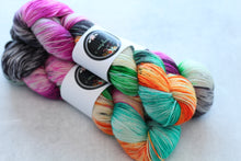Load image into Gallery viewer, SWEETEST THING | sleek sock | speckled yarn