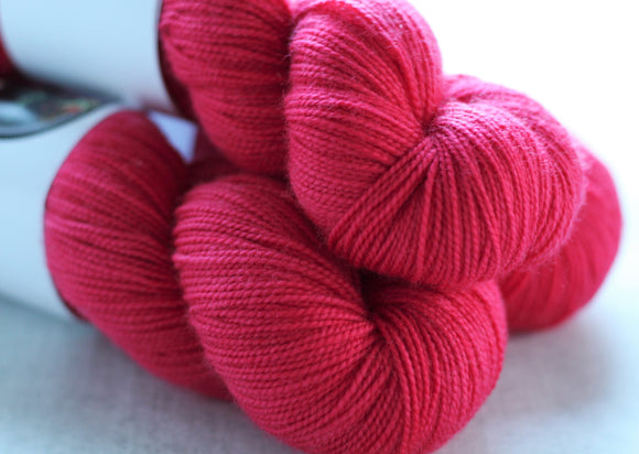 CANDY APPLE | sleek sock | tonal yarn