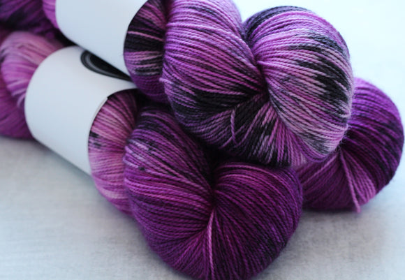 BELLA | sleek sock | speckled yarn