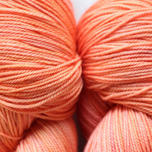 PINK GRAPEFRUIT | lux | tonal yarn