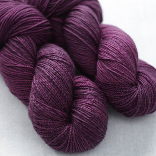 BLACKBERRY WINE | lux sock | tonal yarn