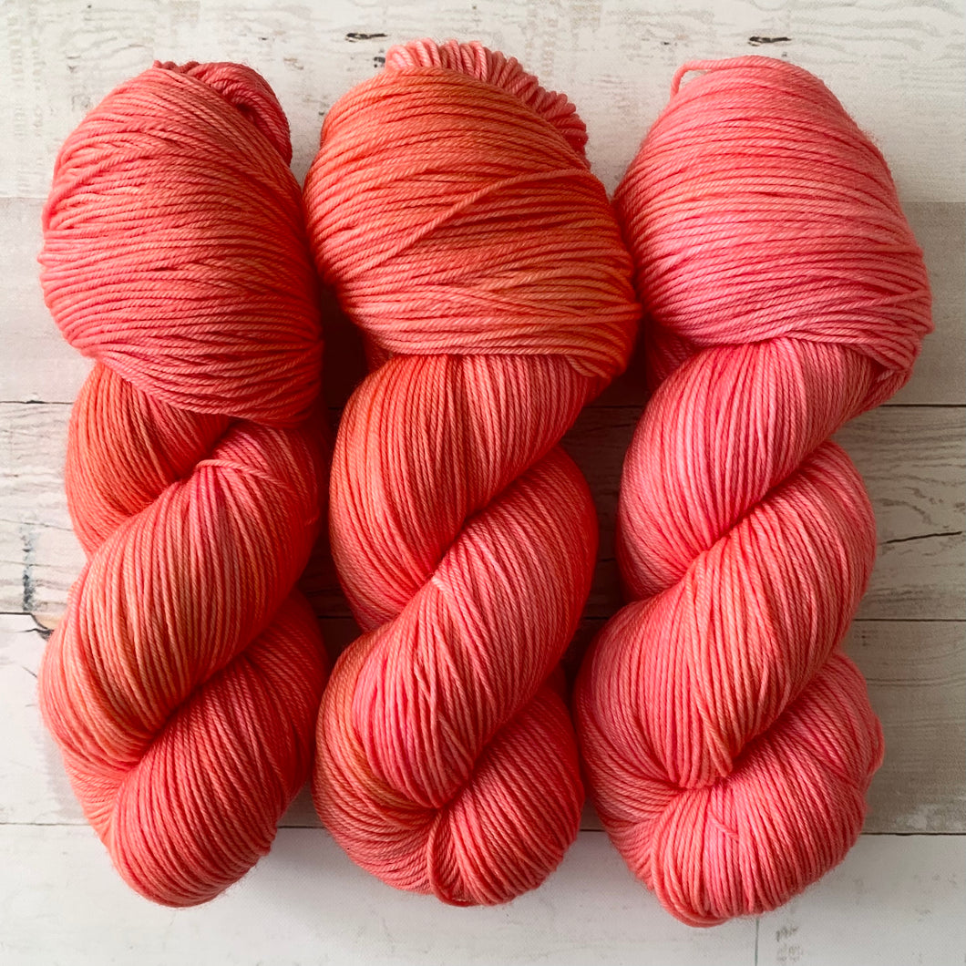 PINK FLAMINGO | spring collection | tonal yarn