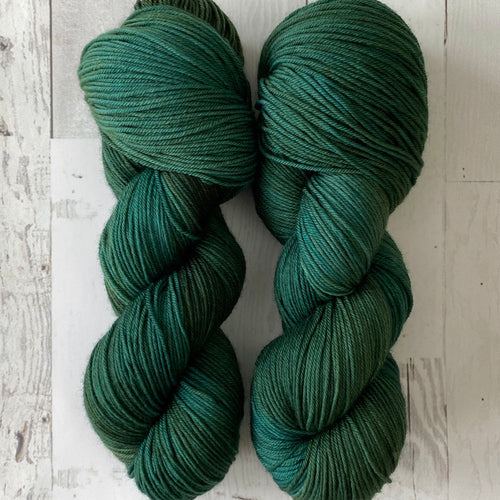 TWEAKING | stellar sock | tonal yarn