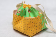 Load image into Gallery viewer, MINI WEE BRAW BAG (4) | ready to ship | compact sock project bag / notions pouch