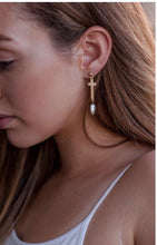 Load image into Gallery viewer, Julia Pearl Earrings