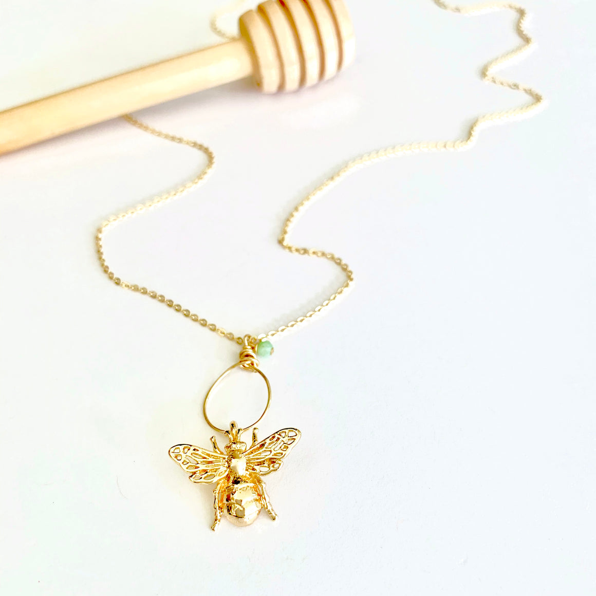 Bea gold bee link necklace