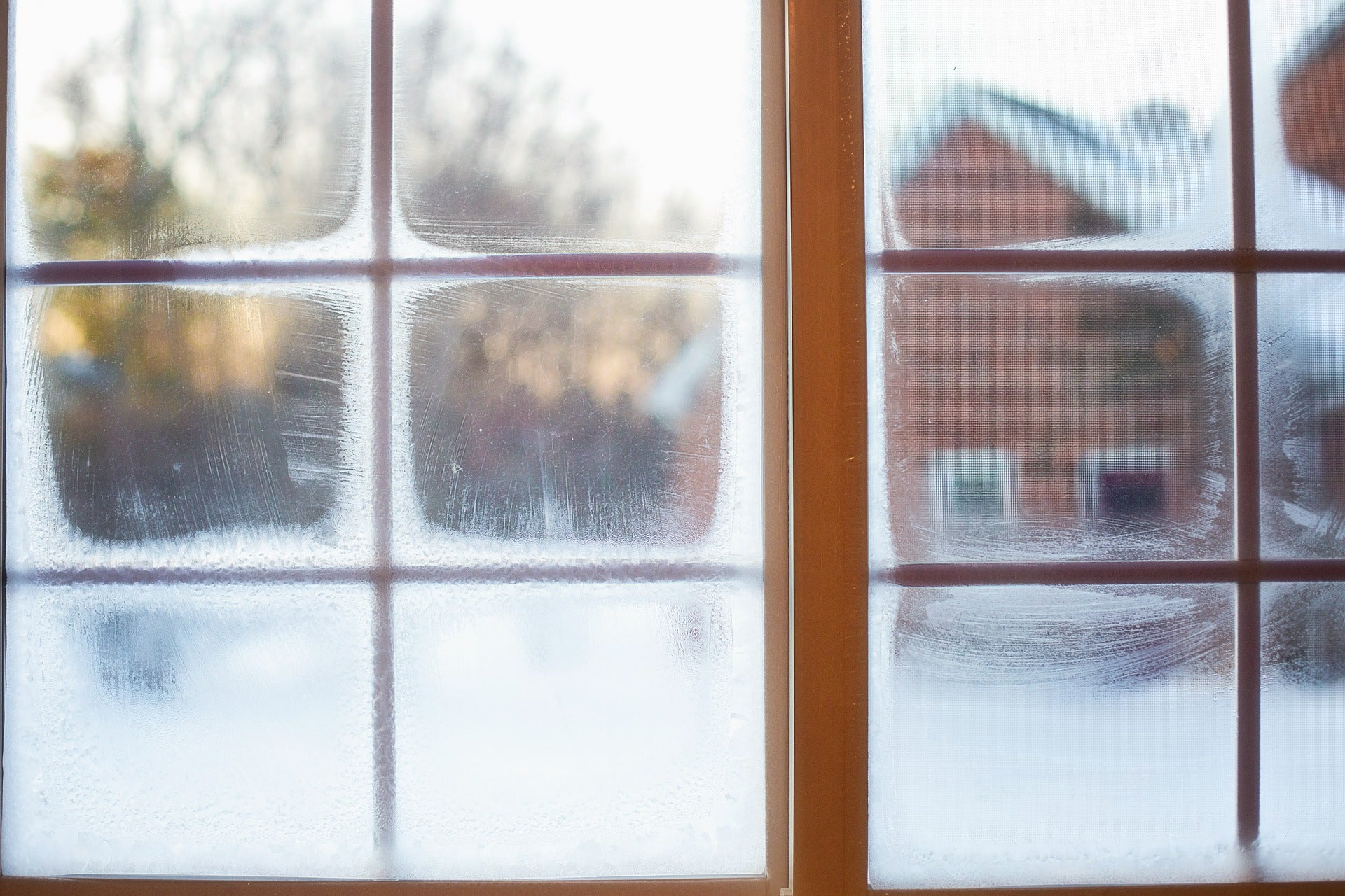 Solutions to Common Glass Window Issues During the Winter