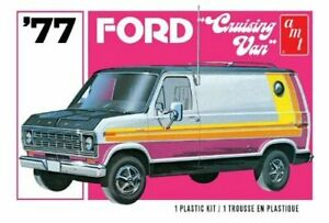 1/25 Scale AMT `77 Cruising Van Model Kit