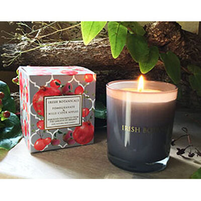 Irish Botanicals - Pomegranate & Wild Cider Apples Candle