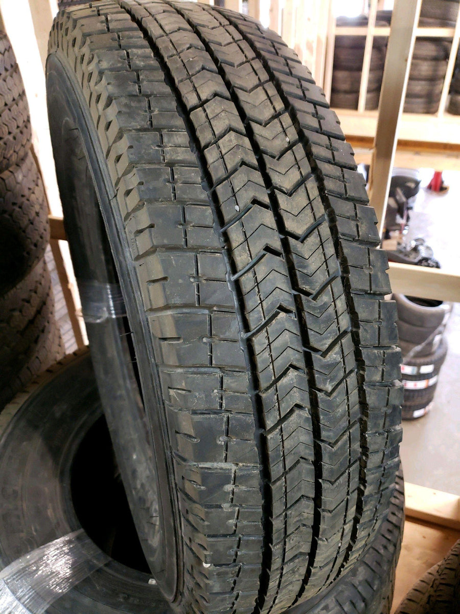 4 x 235/80R17 120/117R Michelin Primacy XC