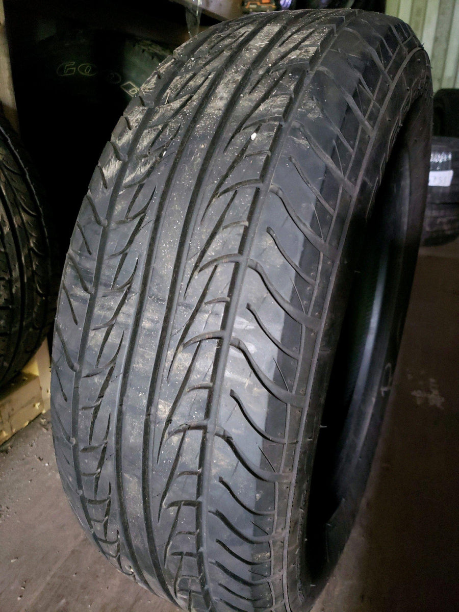 1 x P225/65R16 100T Uniroyal Tiger Paw AS65