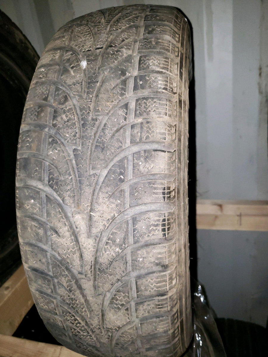 2 x P195/65R15 91T Multi-Mile Winter Claw Extreme Grip