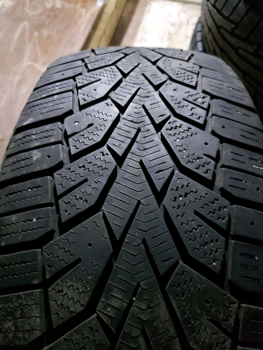 2 x P225/65R17 102T Gislaved Nord Frost 100