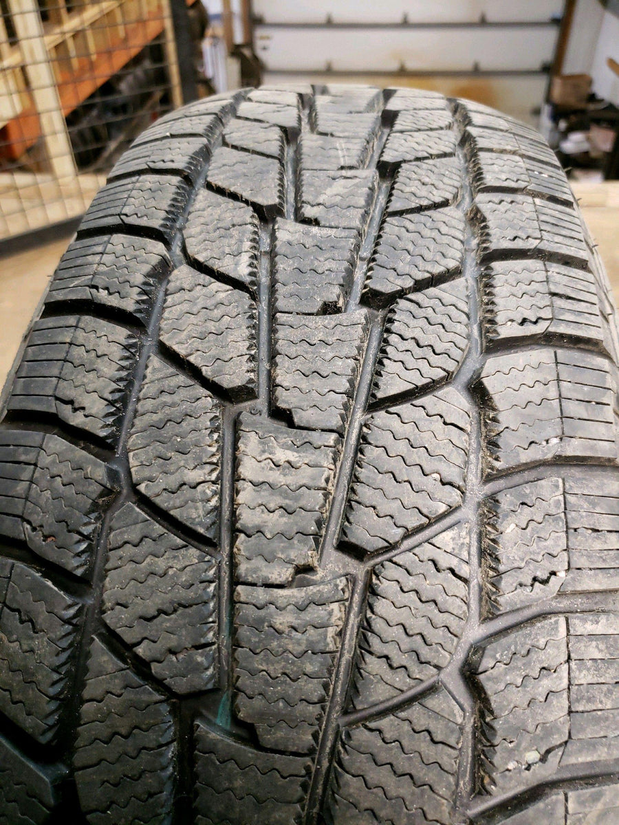 4 x P225/65R17 102T Motomaster Winter Edge