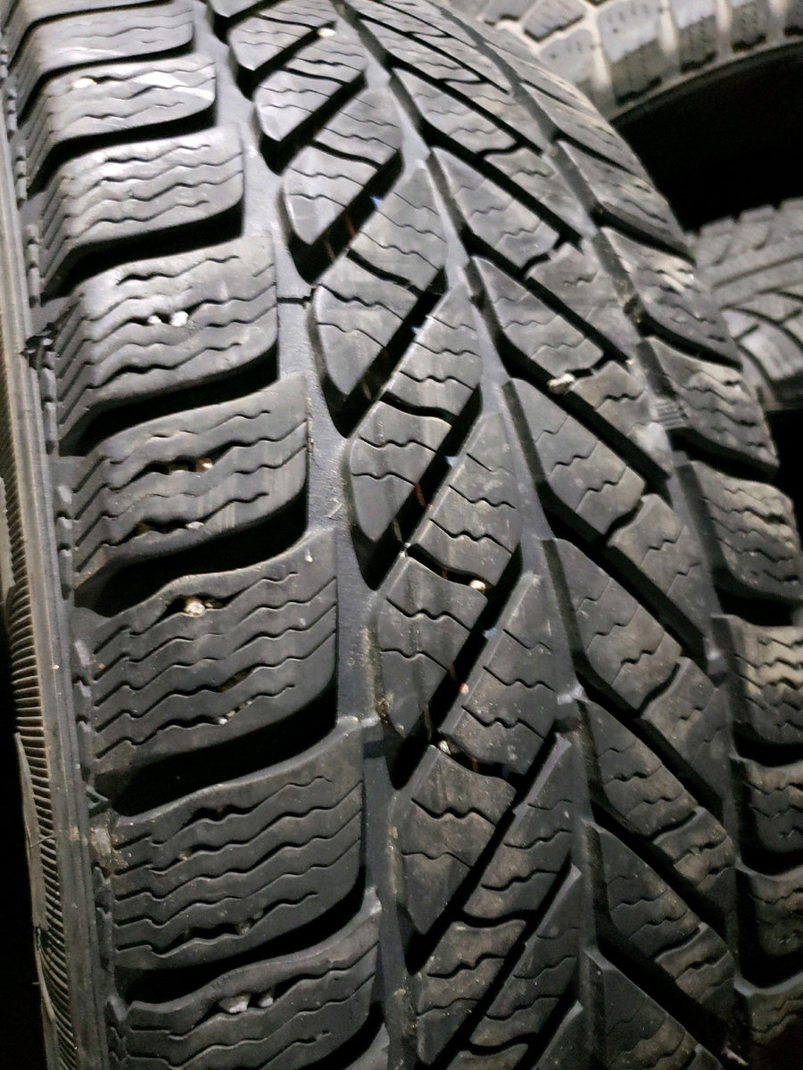 2 x P215/60R16 94Q Goodyear Ultra Grip Ice