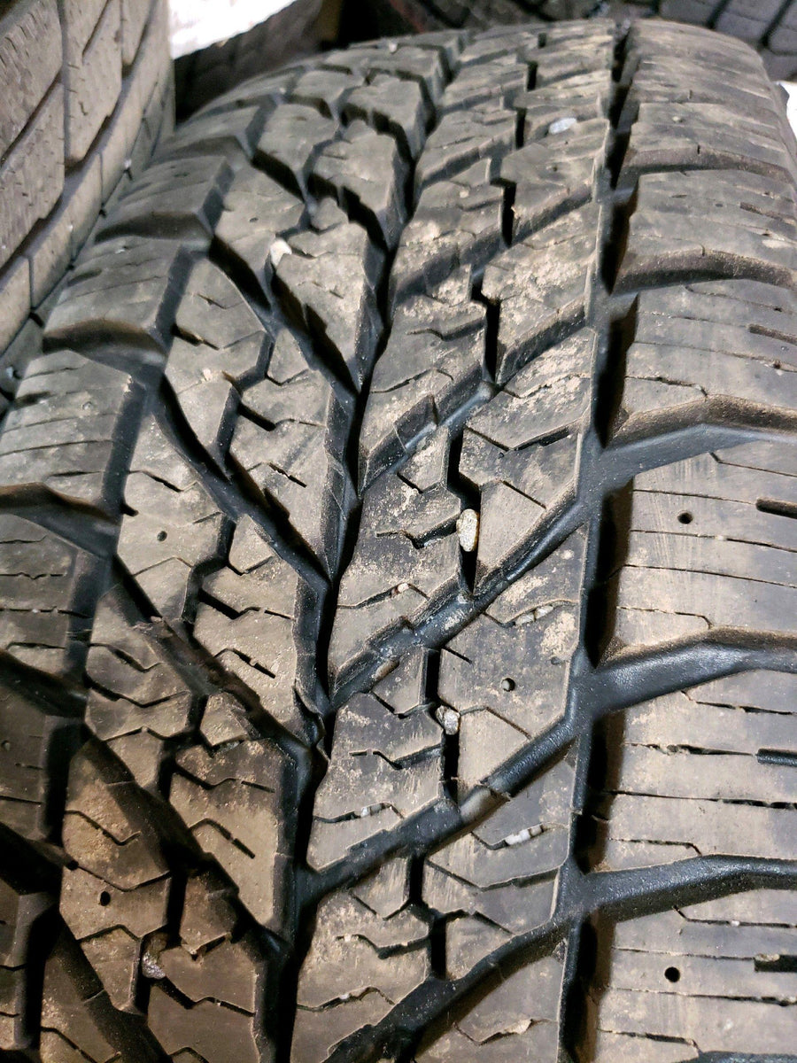 4 x P215/60R16 95T Goodyear Ultra Grip Winter