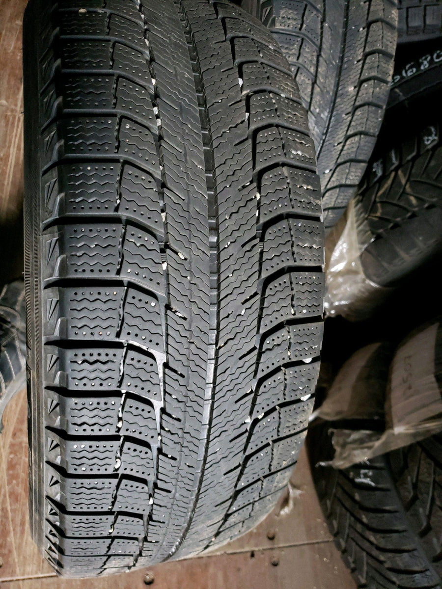 2 x P205/65R15 94T Michelin X-ice Xi2