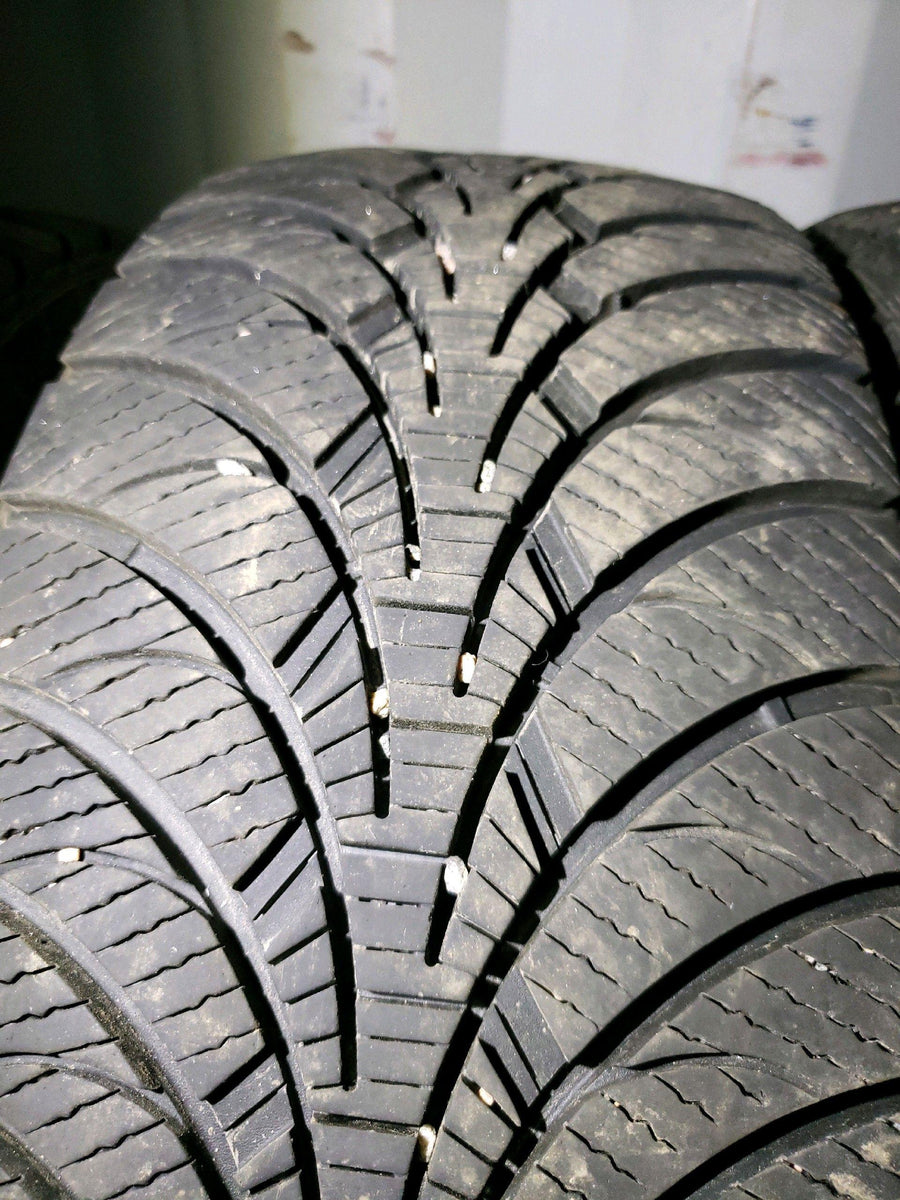 4 x P235/60R17 102S Goodyear Ultra Grip Ice WRT