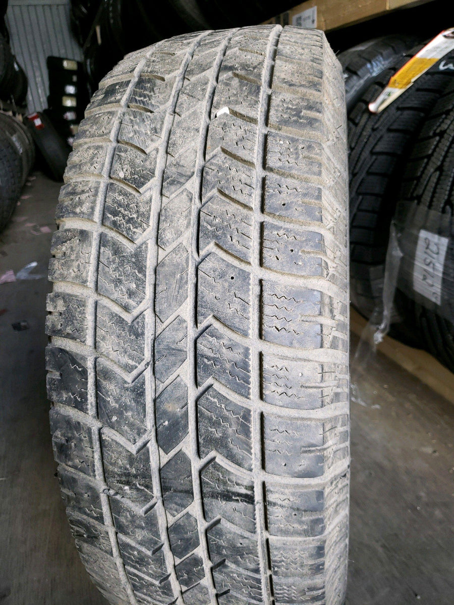 1 x LT245/70R17 119/116Q Arctic Claw Winter Xsi