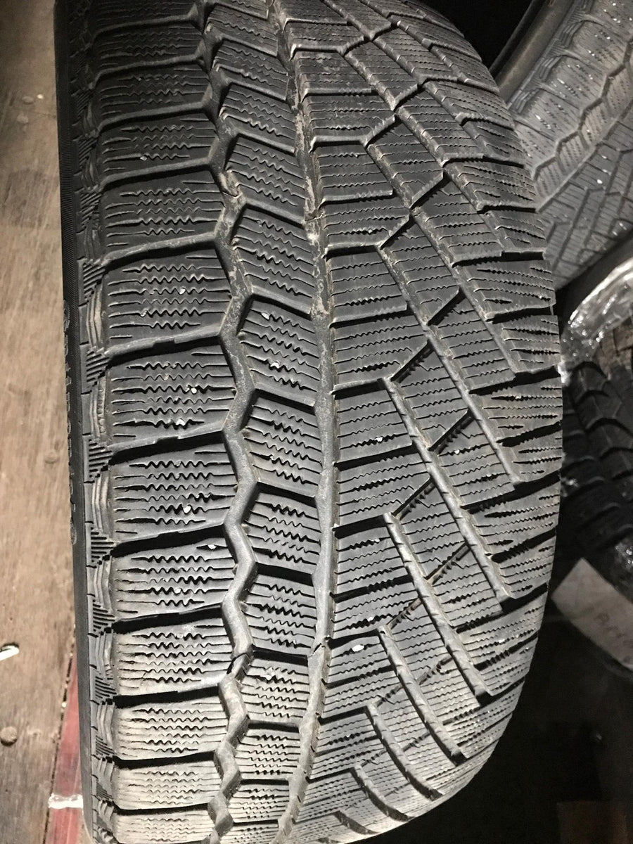 4 x P225/45R17 94T Continental Extreme Winter Contact