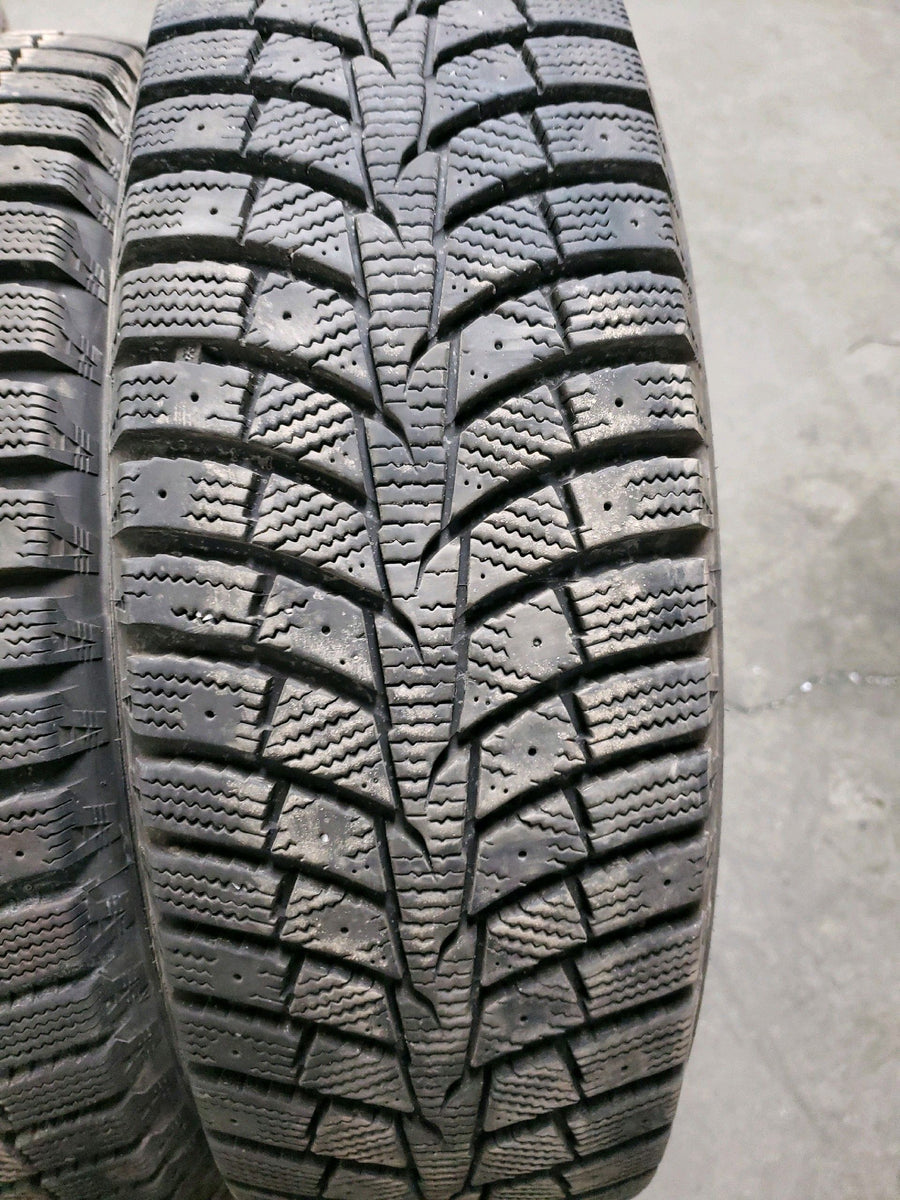 2 x P215/70R16 100T Laufenn i Fit Ice