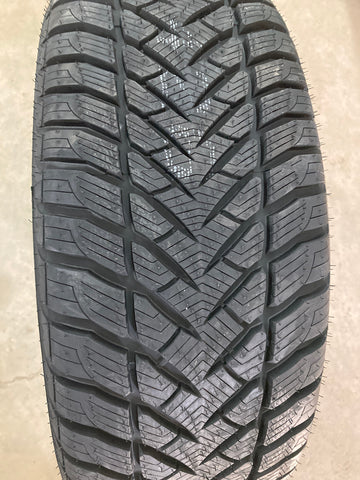 4 x P225/60R18 99V Goodyear Eagle Ultra Grip