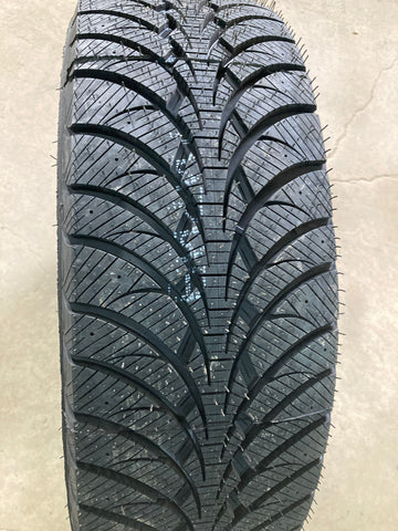 4 x P235/65R17 104S Goodyear Ultra Grip Ice WRT