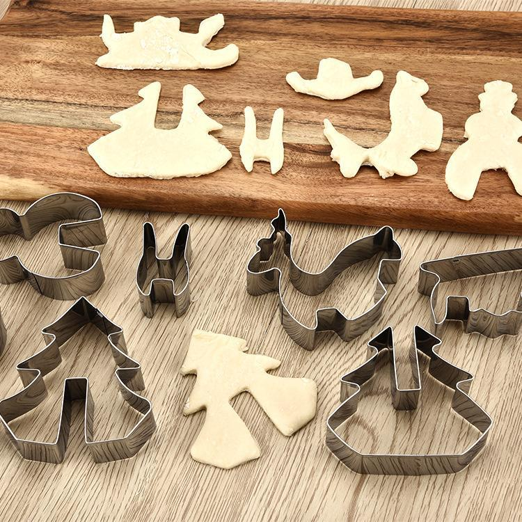 Christmas Cookies Molds (A set of 8 Pcs)