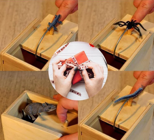 Prank  Inset Wooden Scare Box Trick Play Funny Novelties Toys Tricks Spider( BUY 1 GET 2ND 10% OFF )