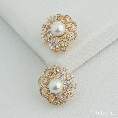 Stella Crystal Studs Gold - Kuberlo - Best Gift for - Imitation Jewellery - Designer Jewellery - one gram gold - fashion jewellery