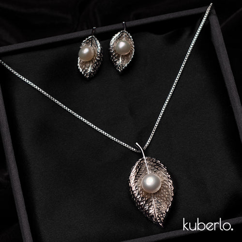 Leafy Mystic Pendant Set - Kuberlo - Best Gift for - Imitation Jewellery - Designer Jewellery - one gram gold - fashion jewellery