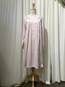 Shrank Short length poly/cotton nightie SK366