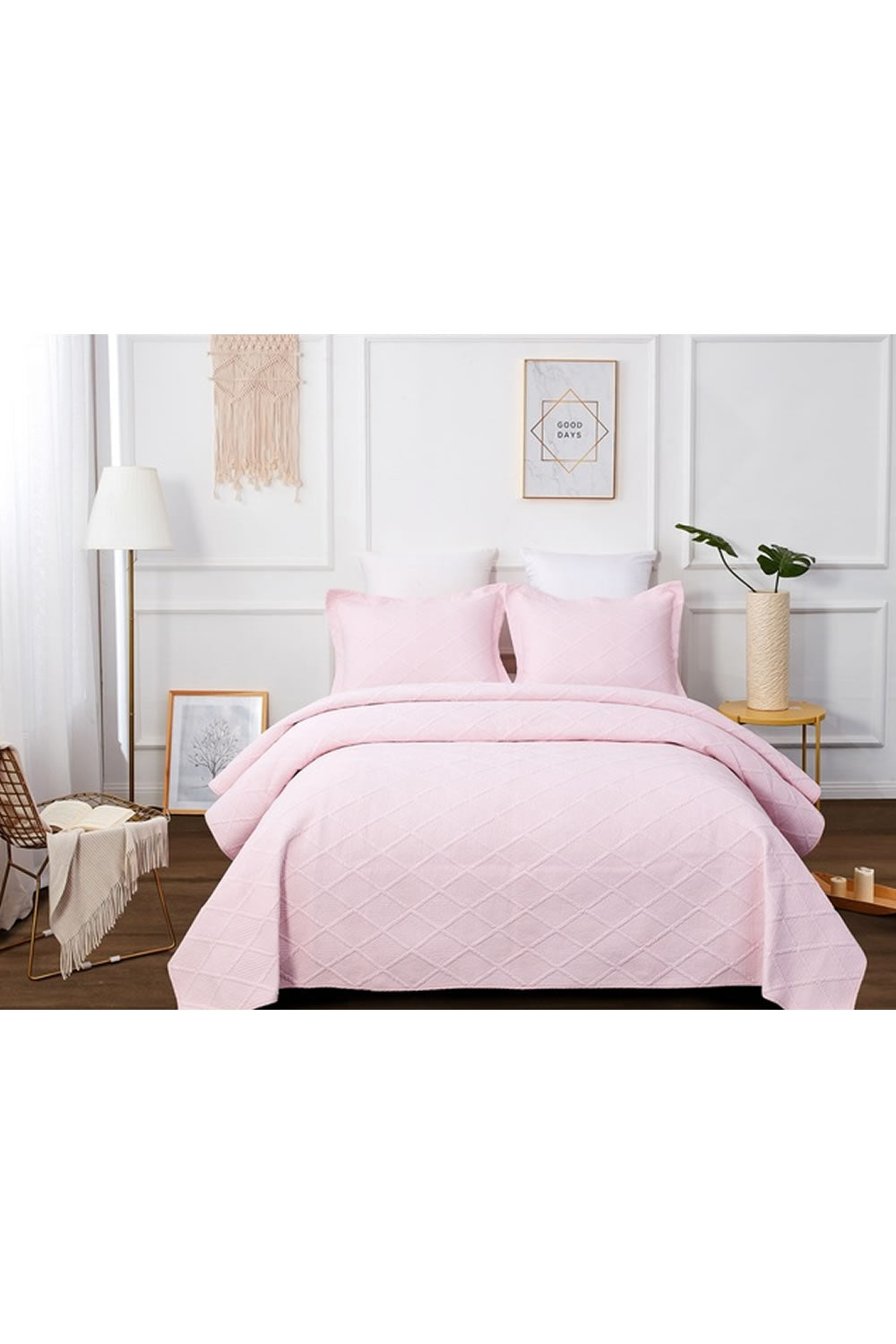 Classic Quilts Blush Pink Quilt