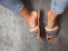 Load image into Gallery viewer, Welle Embellished Sandals