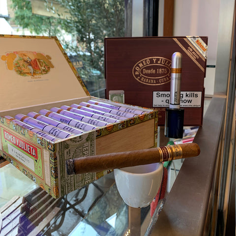 Romeo Y Julieta Churchill Anejados Packaging