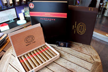 Load image into Gallery viewer, Partagas Serie D No4 Book Humidor