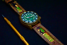 Load image into Gallery viewer, 47Ronin#149 Dark brown croc embossed calf leather (22mm, Green stitching)