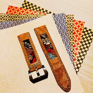 47Ronin#020 Leather watch strap with Kimono fabric (22mm, light brown leather, Black, gold, red & blue Kimono fabric, Blue stitches
