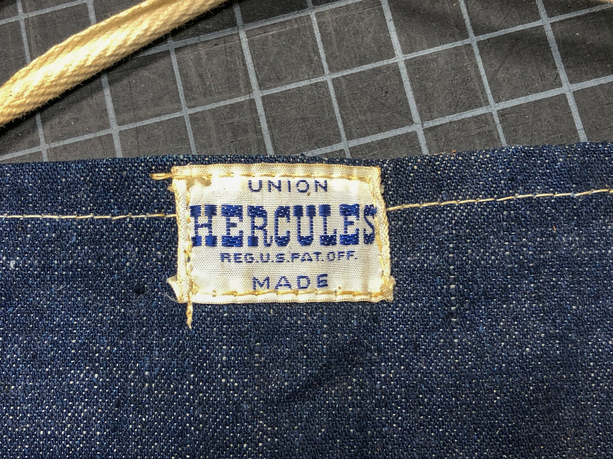 Vintage Hercules Apron Shuttle Loomed Label