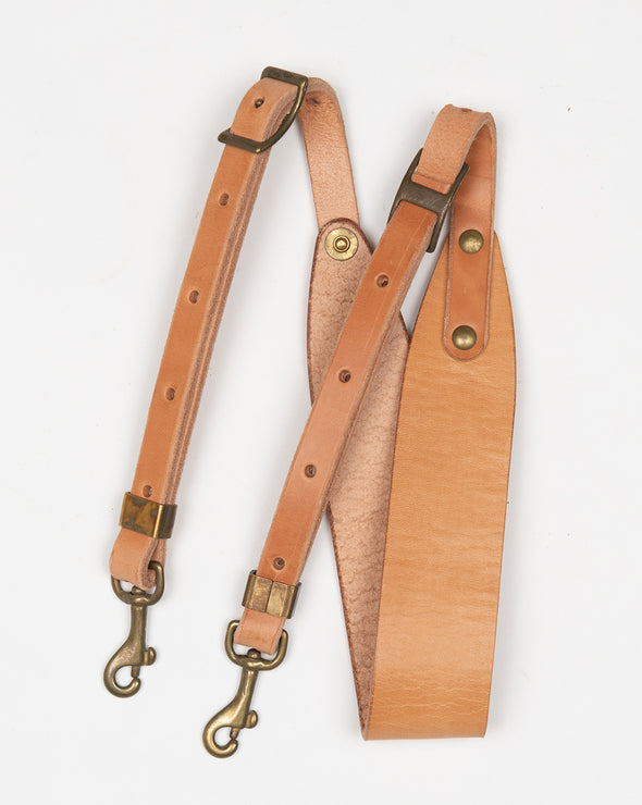ARTIFACT tan harness leather shoulder strap