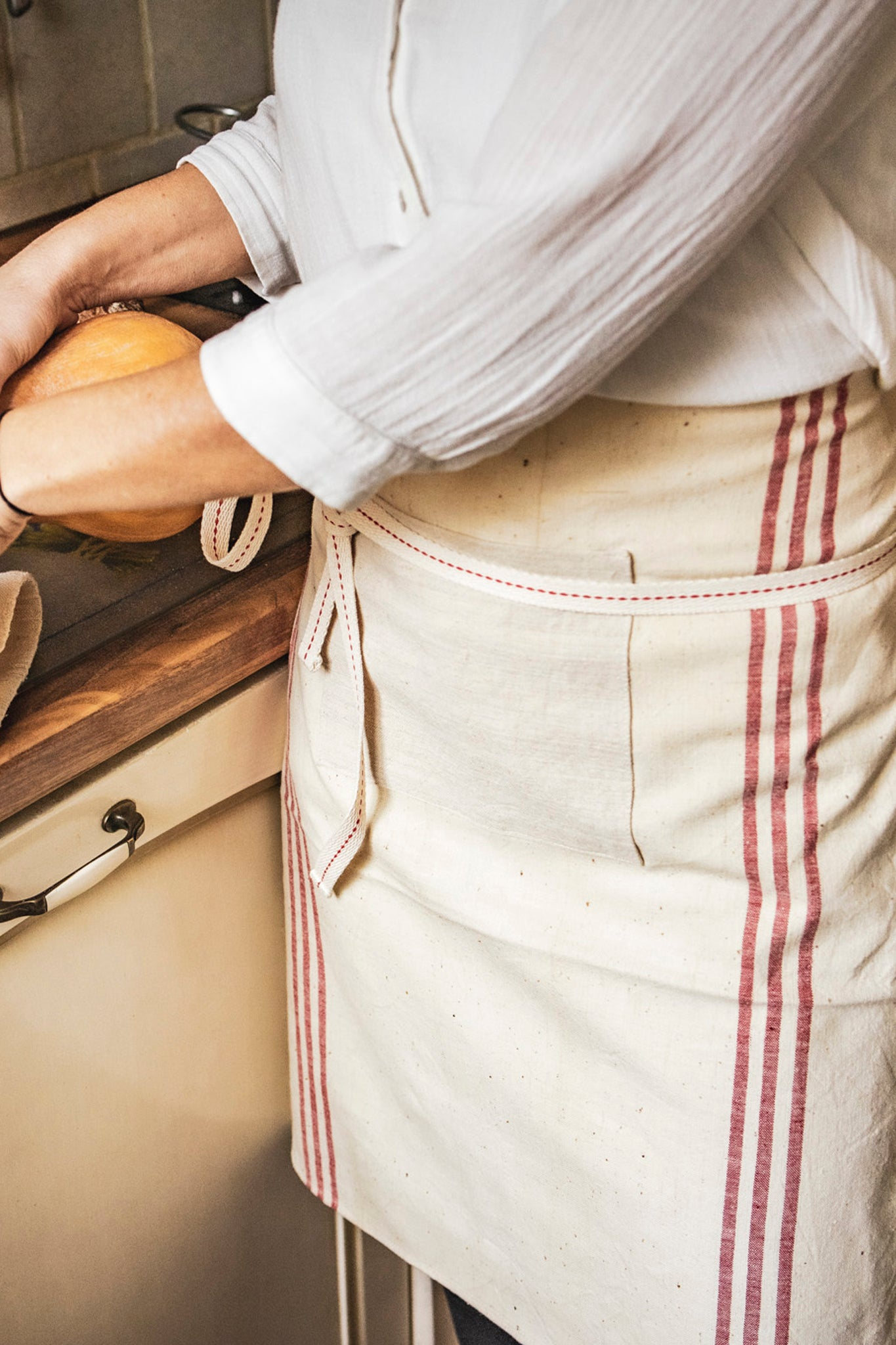 Apron: Cafe style, vintage handwoven Hungarian hemp - A34