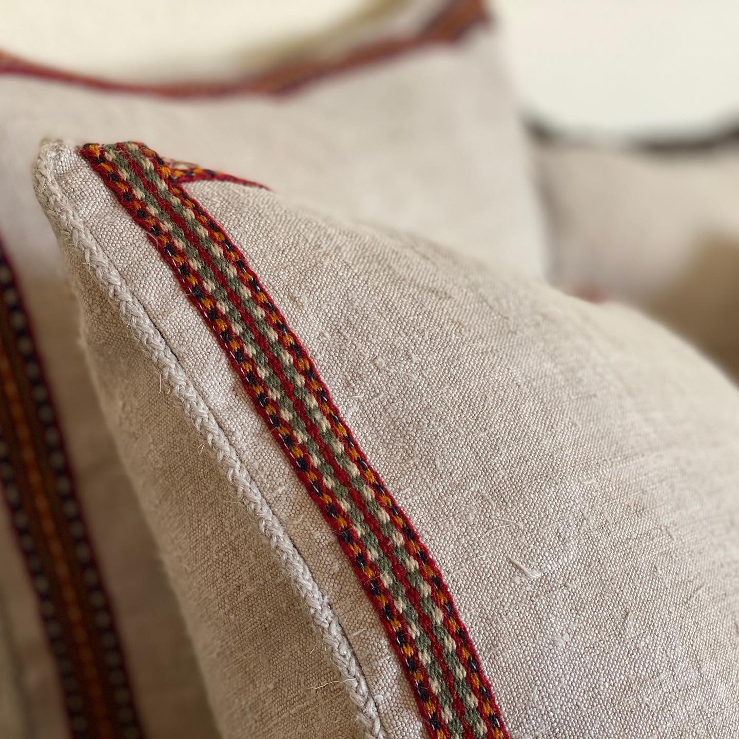 Pillow: Handwoven antique Hungarian hemp - P196