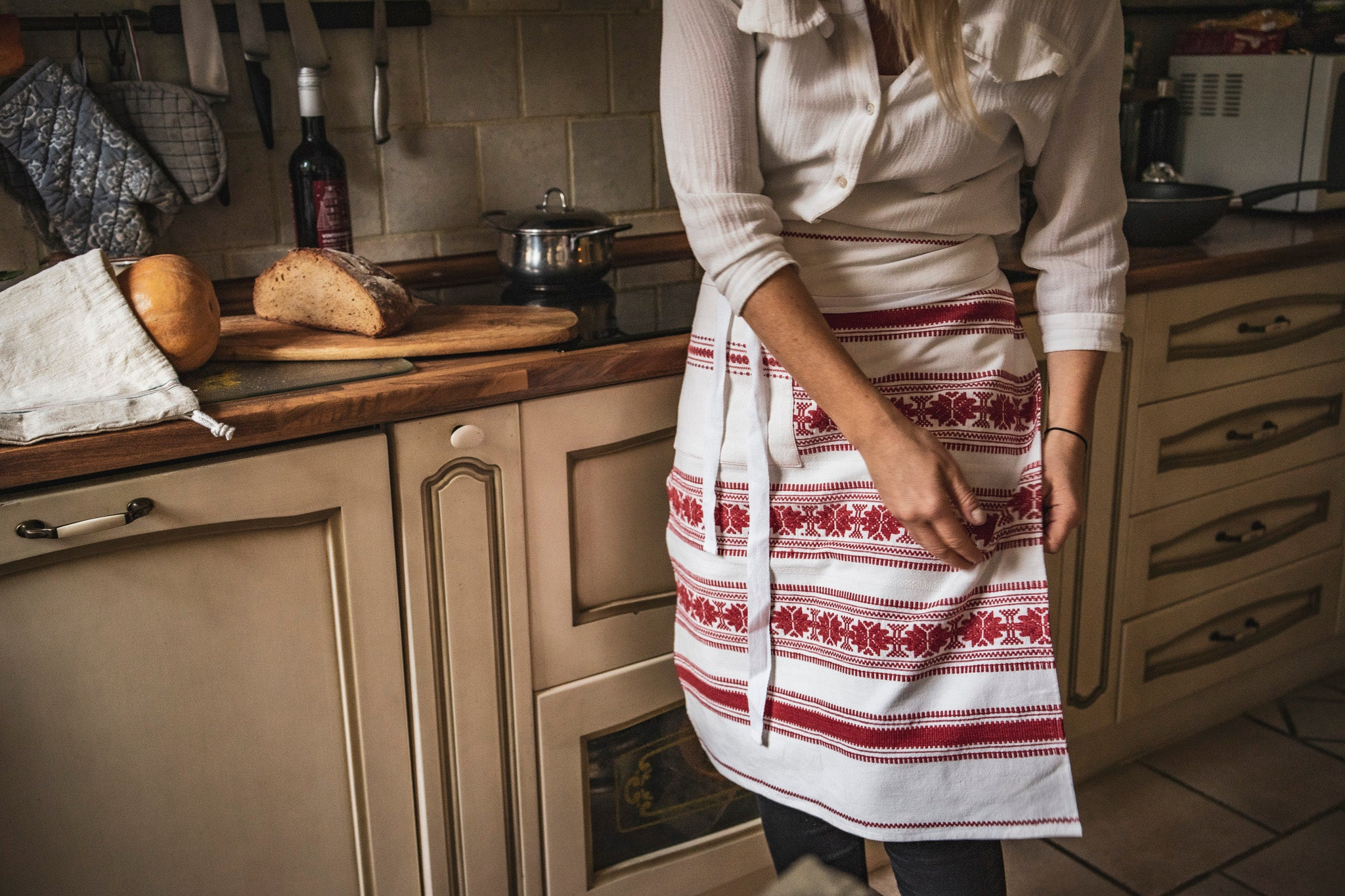 Apron: Cafe style, vintage handwoven Hungarian hemp - A47
