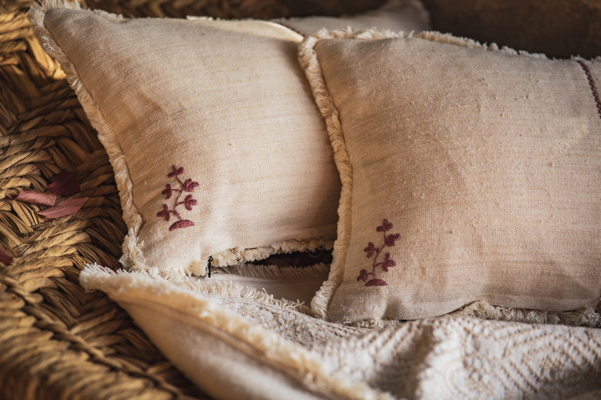 Pillow: Embroidered antique and vintage Hungarian hemp - P186
