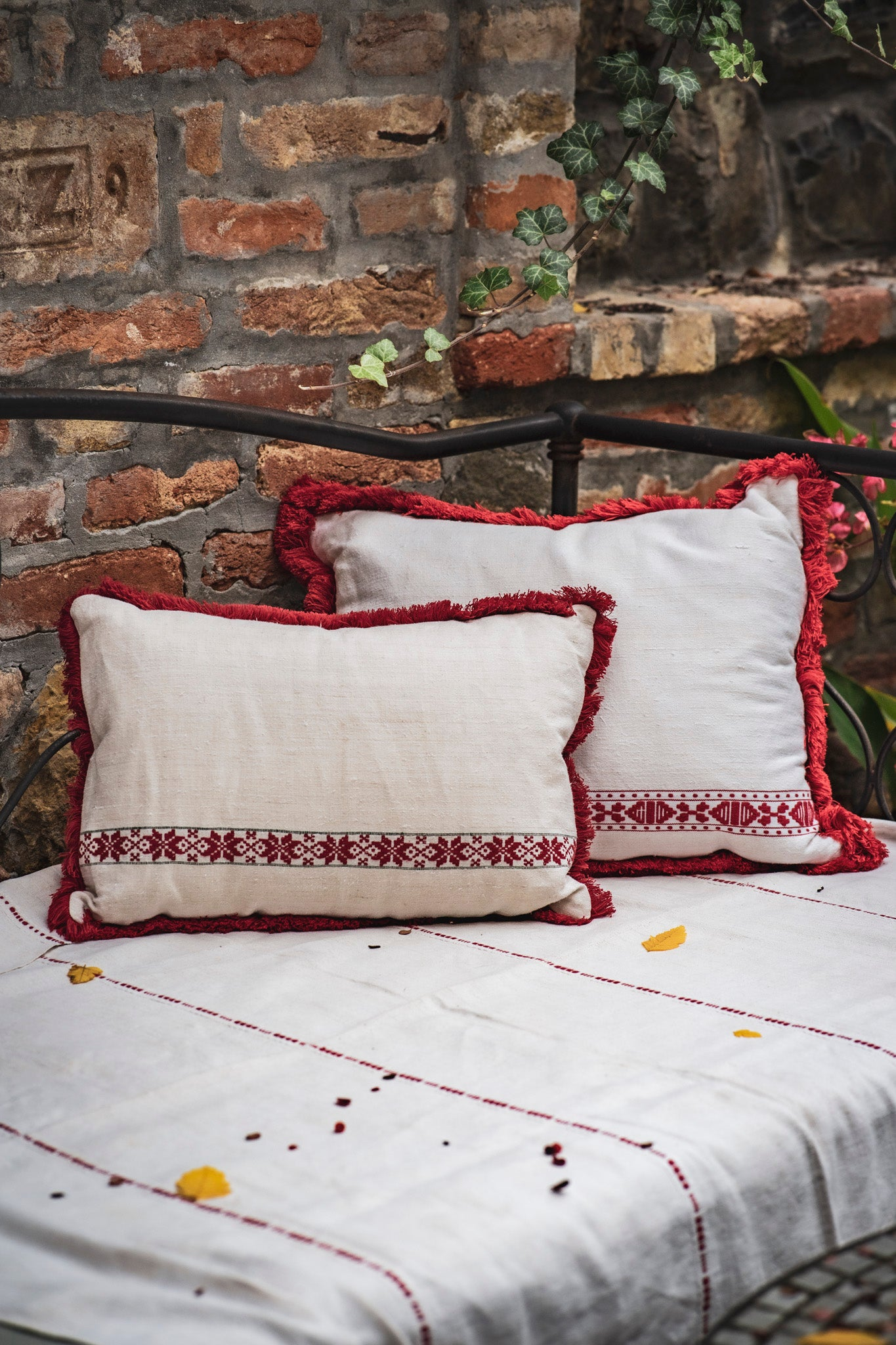 Pillow: Embroidered antique handwoven Hungarian hemp - P071