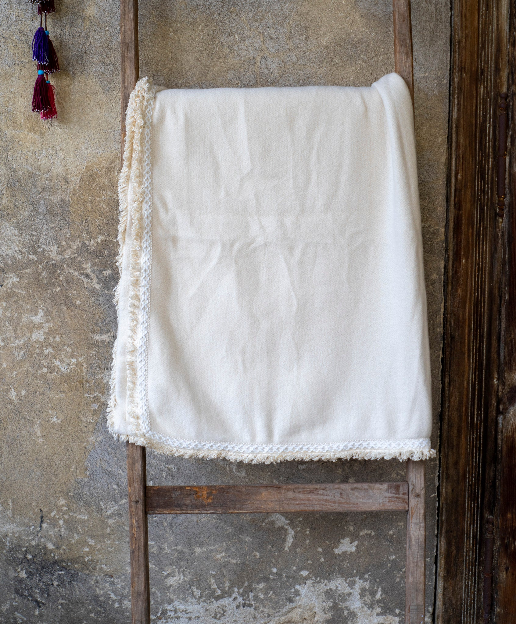 Throw: Organic cotton with decorative cotton fringe  - TH02