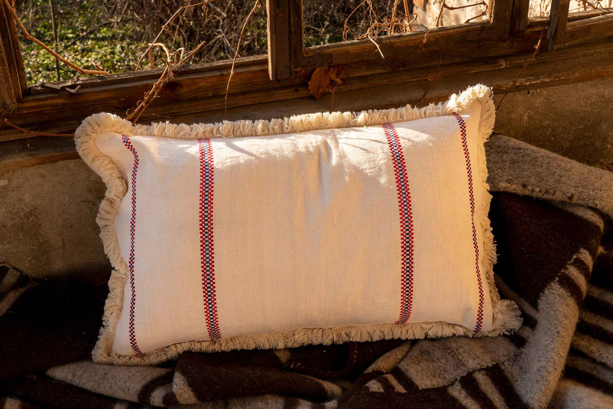 Pillow: Embroidered antique and vintage Hungarian hemp - P220